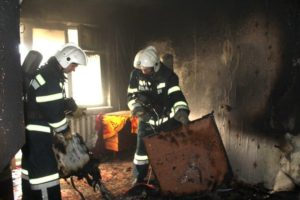 Ночью в Кинешме в микрорайоне Рубленый горела квартира